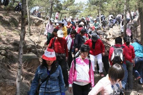 2009年登山节崂山景区华楼游览区分会场集锦